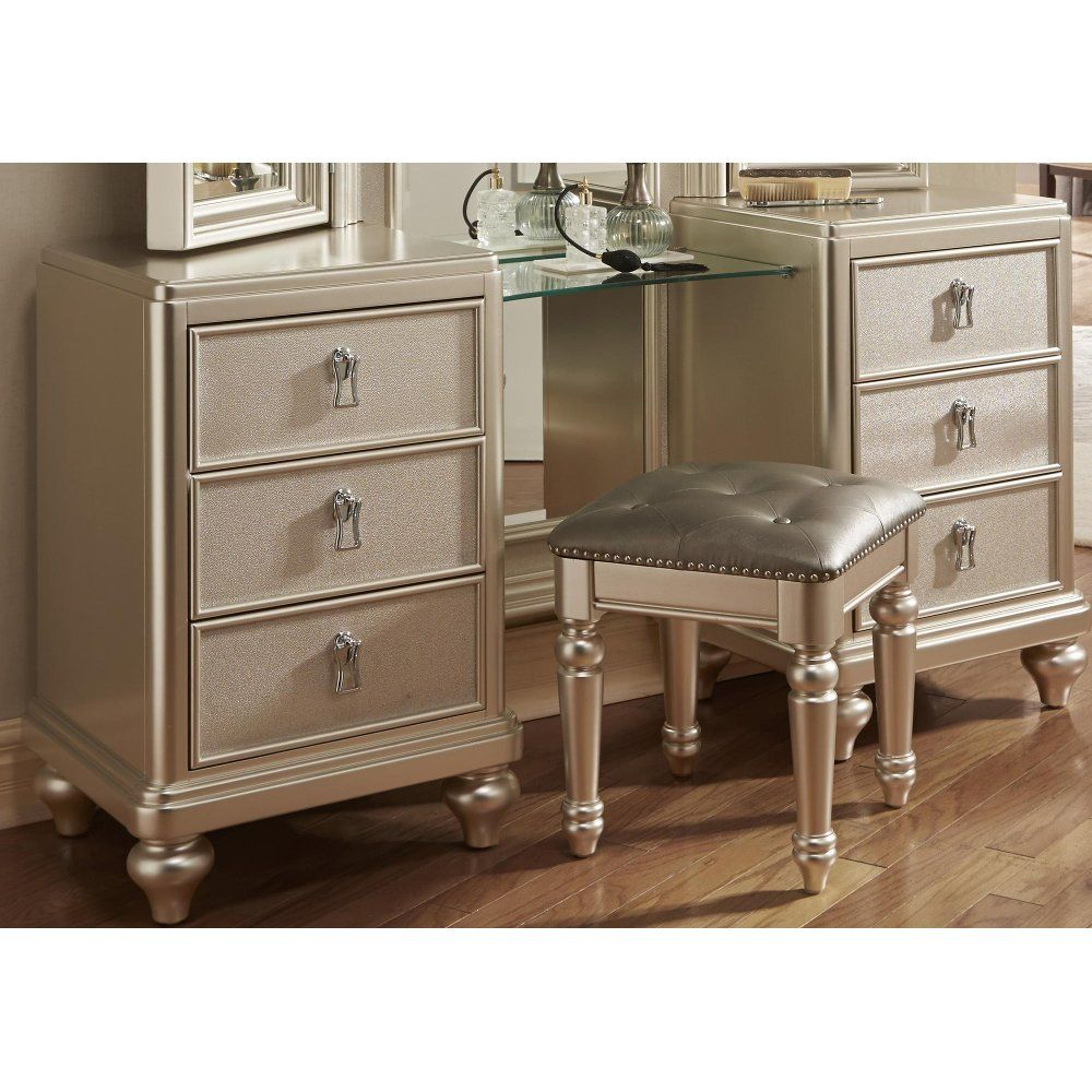 Traditional Champagne Vanity Dresser With Stool Diva Diva Bedroom Set Diva Bedroom Furniture Design Inspiration