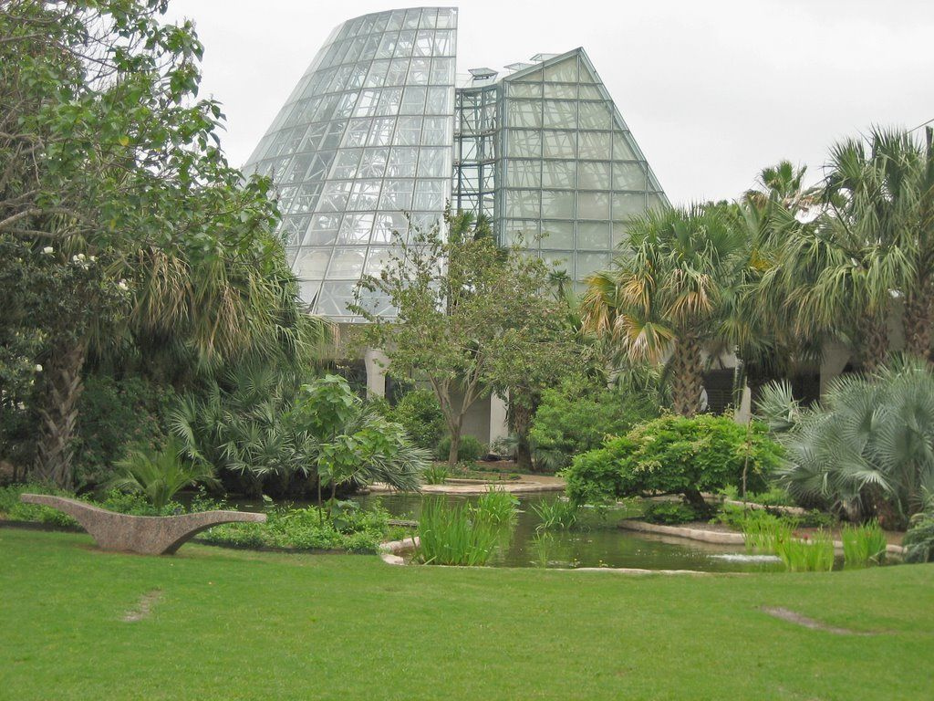 San Antonio Botanical Garden 78209 greenhouse san