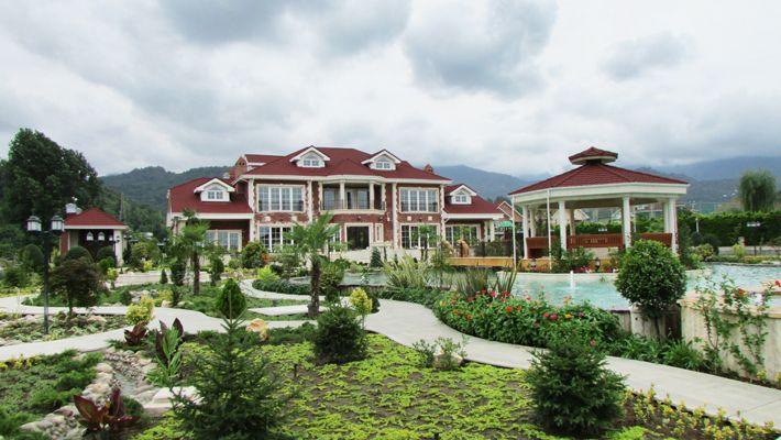 Hasht-Behesht Villa, designd by Hamid Saihiholnasab & located in Kelarabad, Mazandaran .