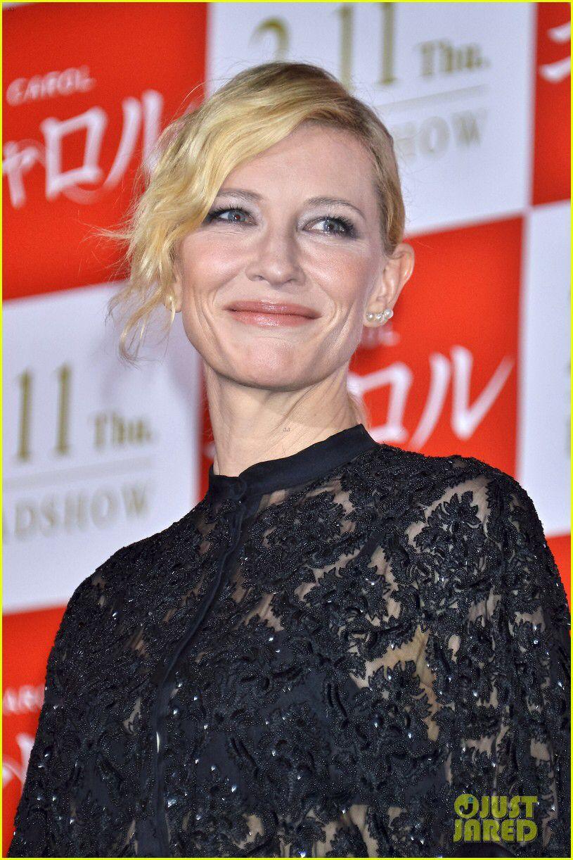 Cate Blanchetts amazing new dark hair. She looks so