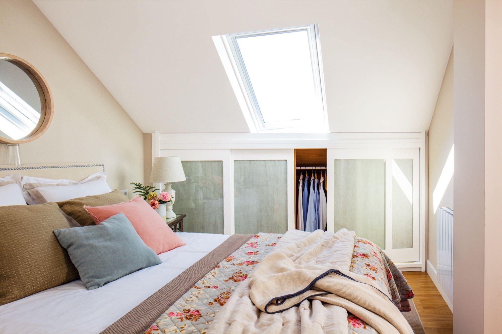 Aprovechar los huecos dormitorios habitaci n - Muebles para dormitorios pequenos ...