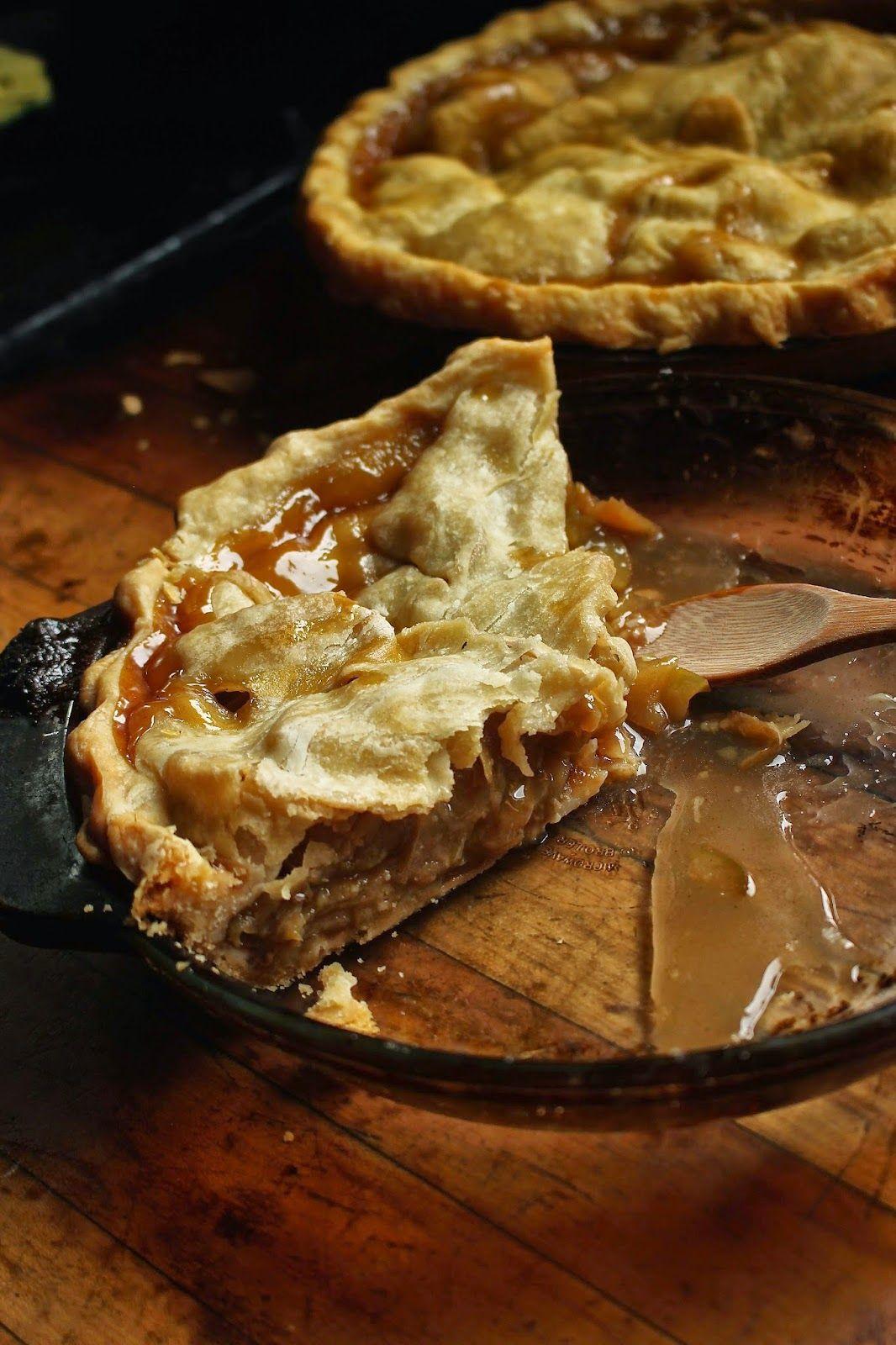 Macrofood Everyday: Making Apple Pie!! Vegan Apple Pie