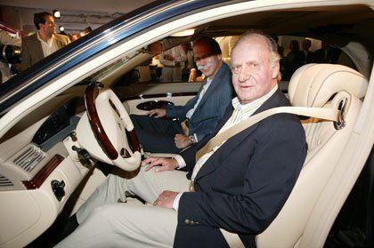 El Rey Juan Carlos vende uno de sus 70 coches http://noticias.coches.com/noticias-motor/el-rey-juan-carlos-vende-uno-de-sus-70-coches/21639