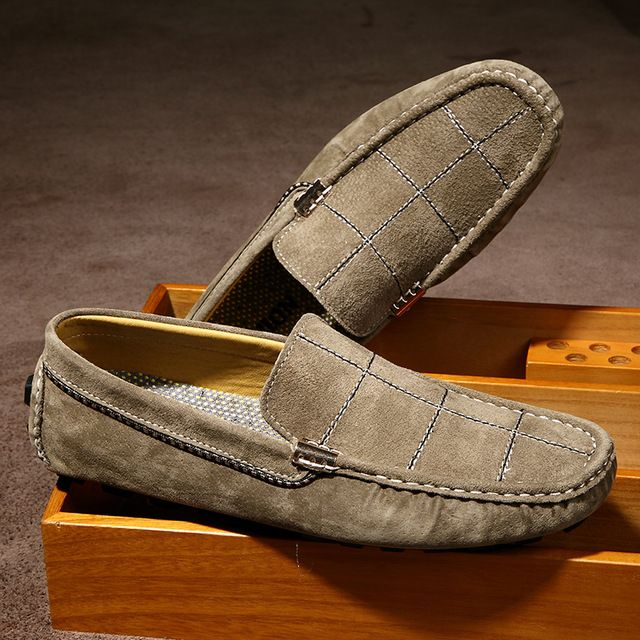 1db458de70 2017 Luxury Men Suede Loafers Slip-on Gentlemen Moccasins Soft Flat Driving  Loafers Boat Shoes Letters Red Blue Khaki