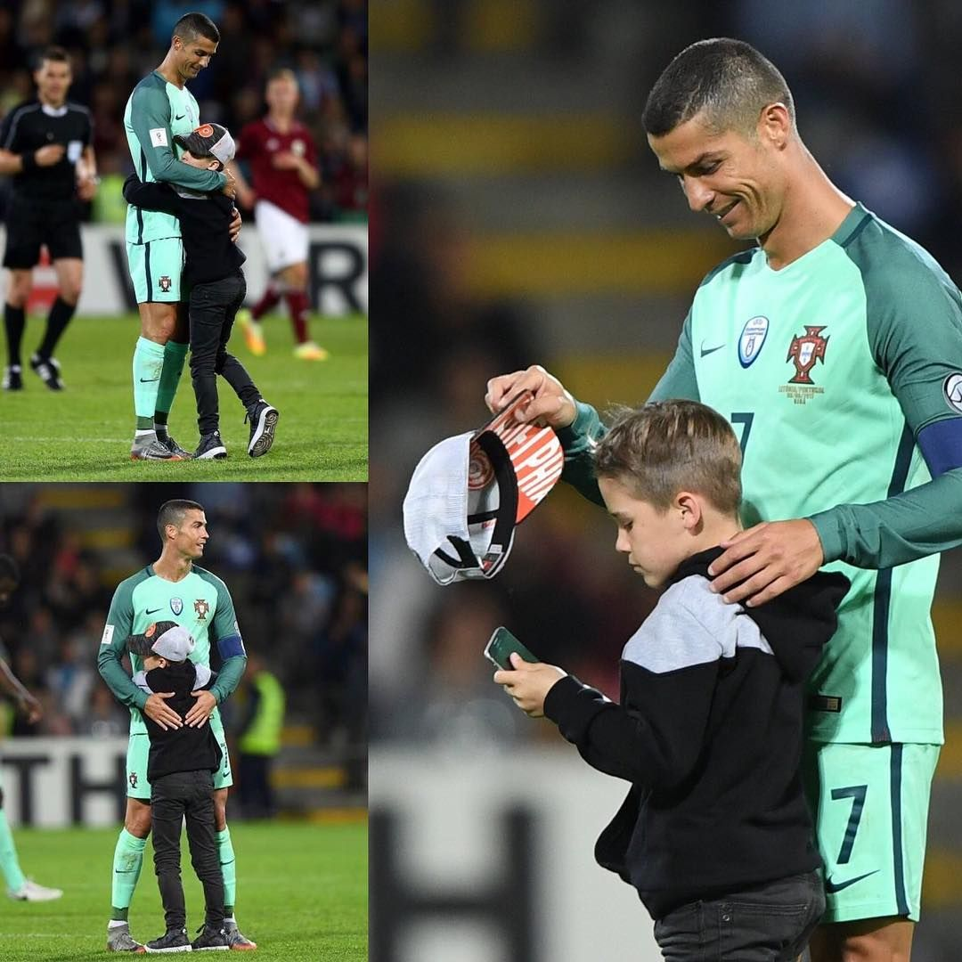 "Pitch invader in 🇱🇻👦🤳 cristiano 📞 WhatsApp Send ""433 ON"