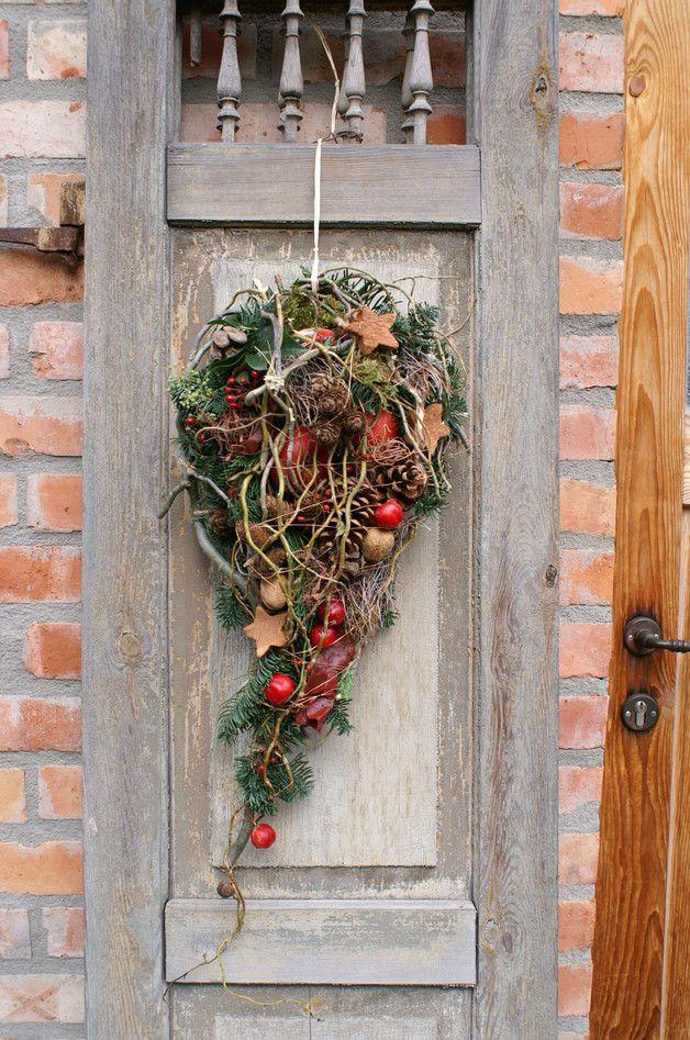 wunderbar Weihnachtlicher Tuerschmuck Part - 1: Türkränze - weihnachtlicher Türschmuck - Wandschmuck - ein Designerstück  von kleineGartenwerkstatt bei DaWanda