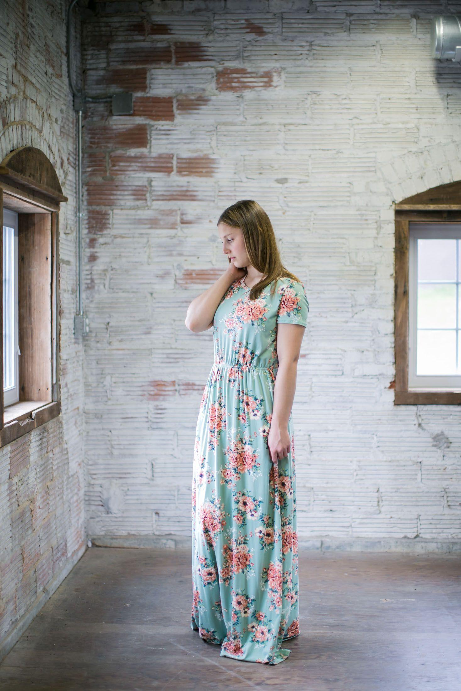 Ashleyu short sleeve floral modest maxi dress modest maxi dress
