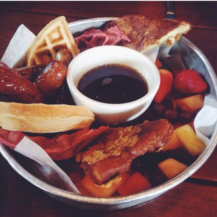 Instagram @girl.can.eat: Midtown Tavern In Nashville, TN