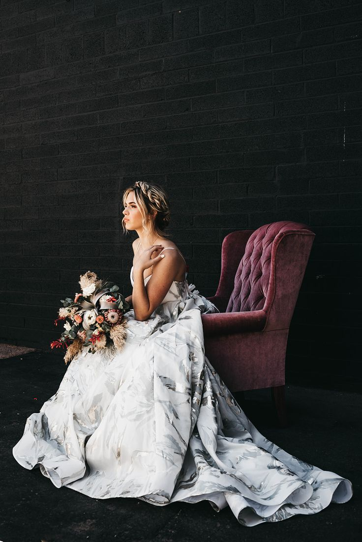 Arizona Inspired Modern Industrial Wedding #fallbridalbouquets