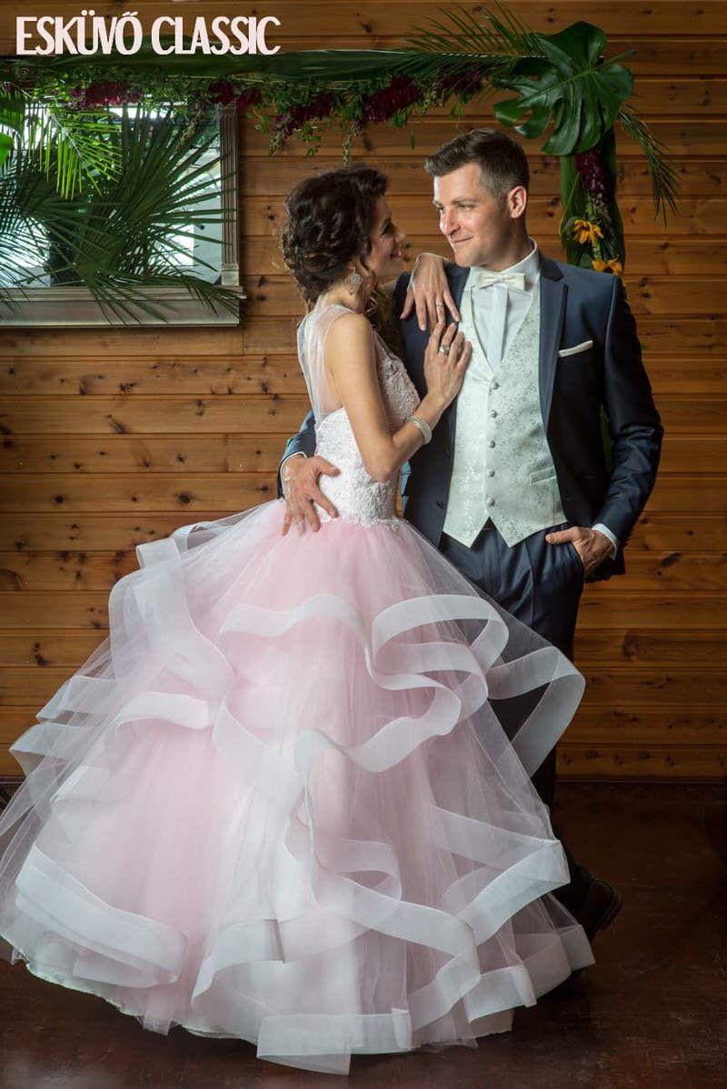 66705e57bb Nem csak esküvői ruhakölcsönző – Ildikó a menyasszonyi ruhákról ...