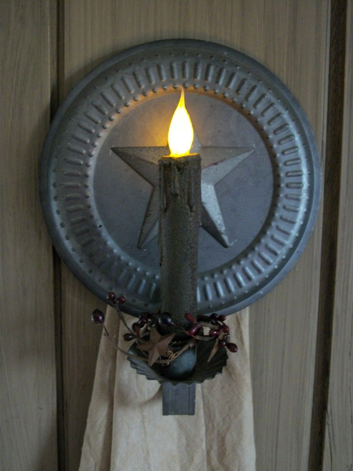 pRiMiTiVe / CoLoNiaL  TiN PunCh waLL ScOnCe  w/  by rusticpiks, $17.99