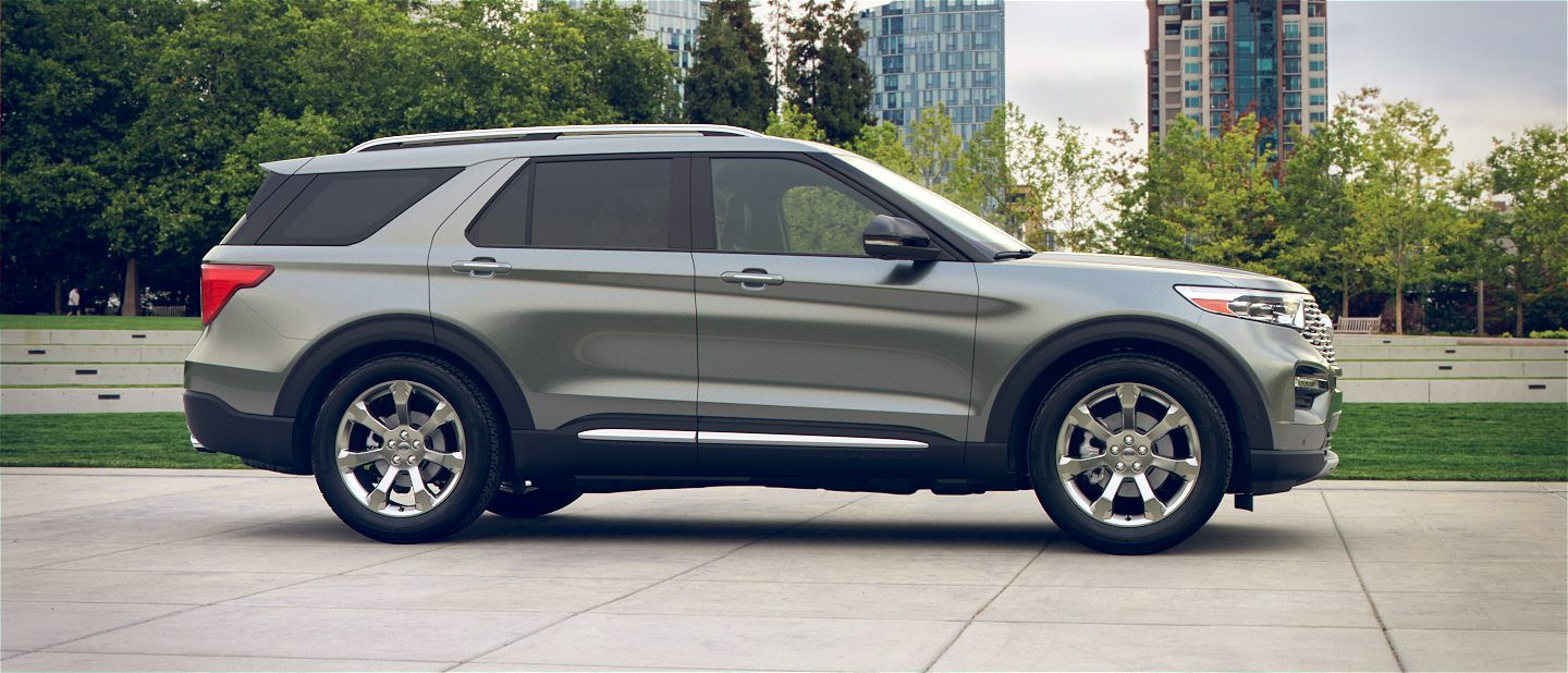 360 Colorizer Spin Of 2020 Ford Explorer In City Park Shown In Silver Spruce Ford Explorer 2020 Ford Explorer Ford Explorer Sport