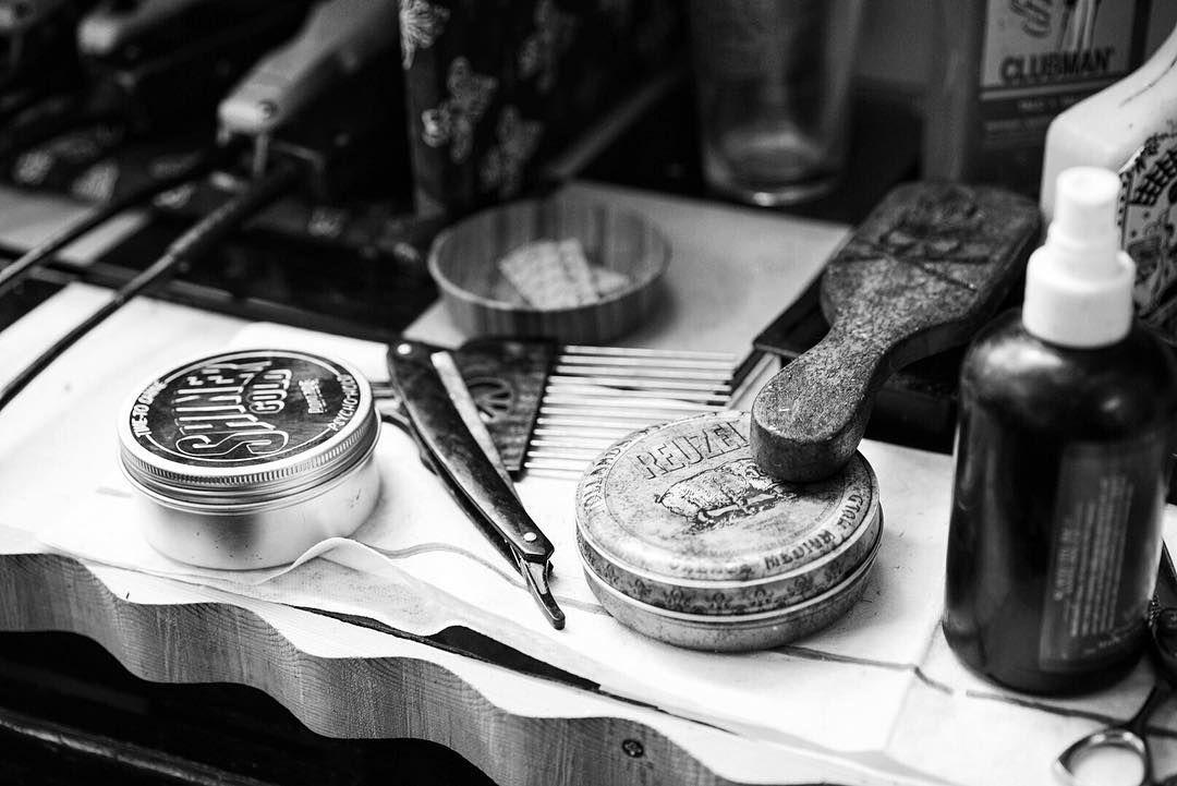 Tools of the trade #houstonbarber #barber #barbershop @suavecitopomade by gabrielgurrola
