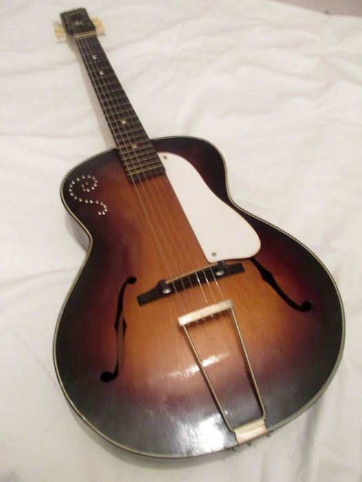 En Ce Moment Aux Encheres Catawiki Archtop Egmond Combo Guitare