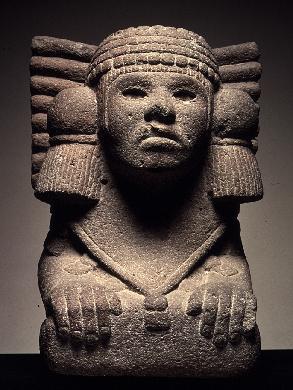 Aztecas Xiii Xvi Figura Escultórica Femenina Que Representa A La Diosa Del Agua Azteca Chalchiuhtlicue También Llamada Museos De España Museos Dios Tlaloc