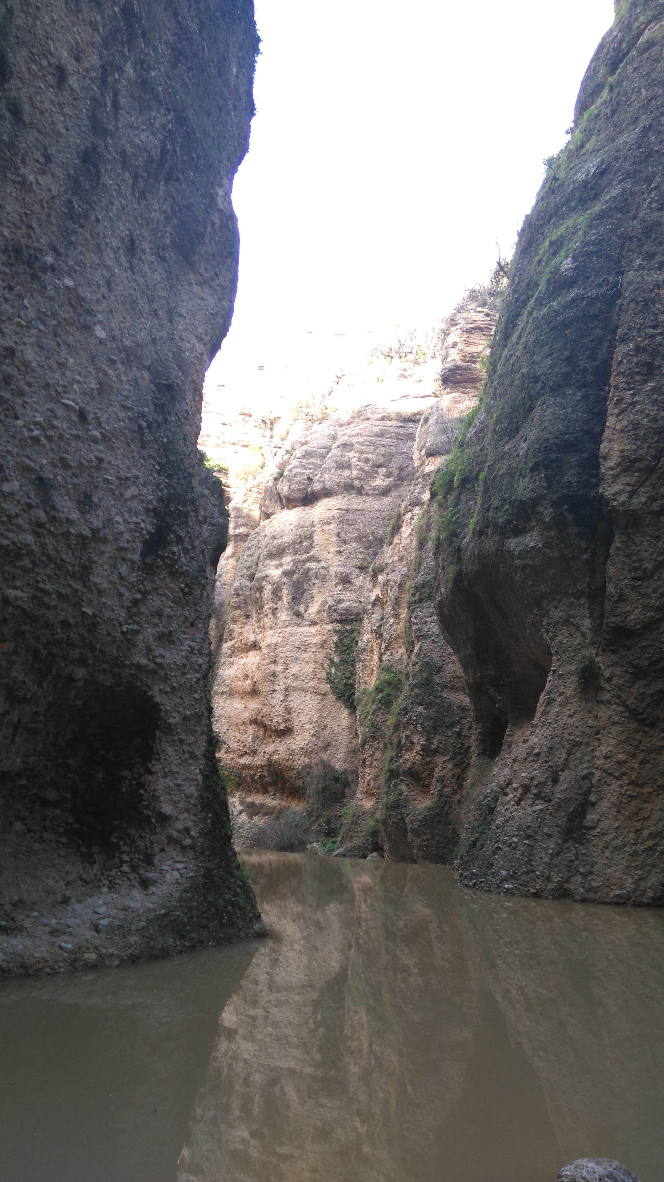 Río Guadalevín , que esculpe el famoso Tajo de Ronda.Este es el final del recorrido de la mina.