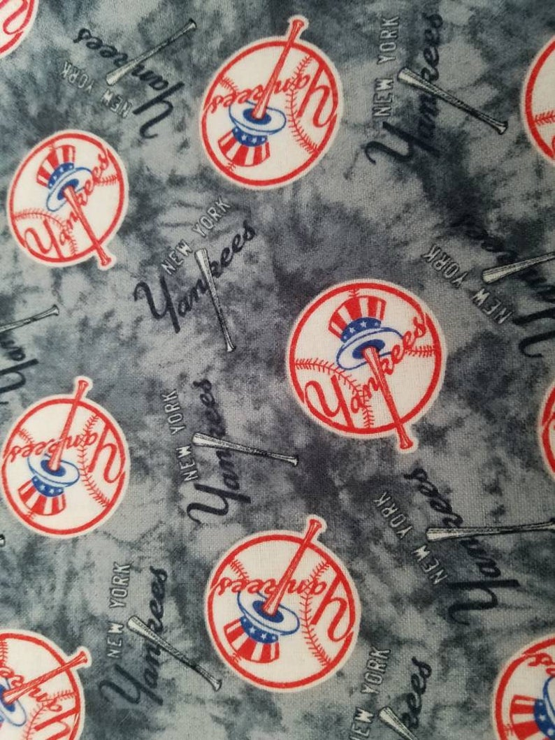 Free Us Shipping Mlb New York Yankees Baseball Face Mask Etsy In 2020 New York Yankees Baseball New York Yankees Yankees