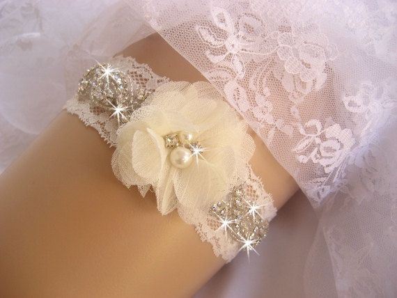 Vintage bridal garter wedding garter set toss weddings for Garter under wedding dress