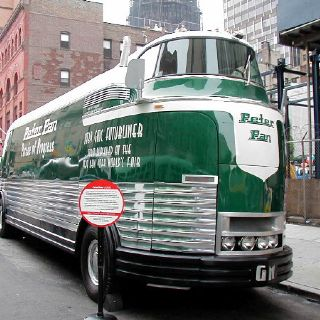 Futurliner build totaly 12 after resteration stil 9 trucks driving in 2012 THE ware made between 1939-1941 by general motors