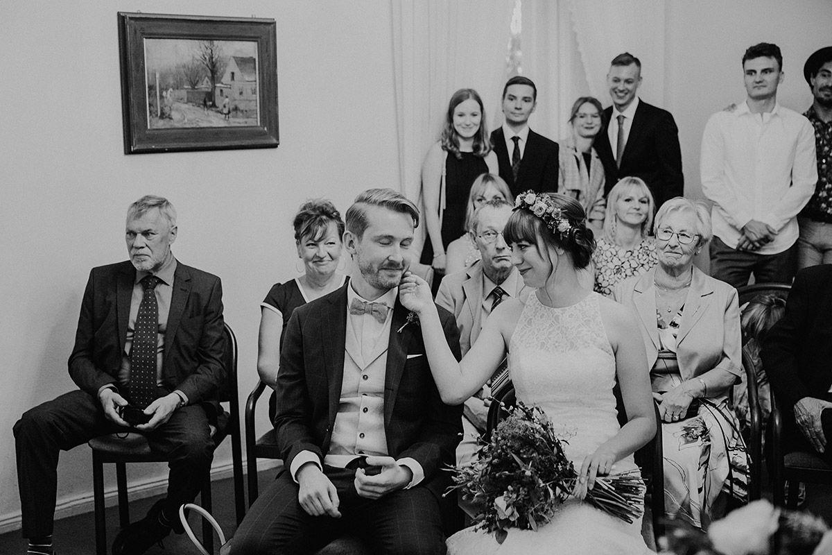 Boho Hochzeit Berlin Hochzeitsvilla Zehlendorf Und Museumsdorf Duppel Hochzeitsfotograf Berlin Hochzeitsfotograf Boho Hochzeit Hochzeit Berlin