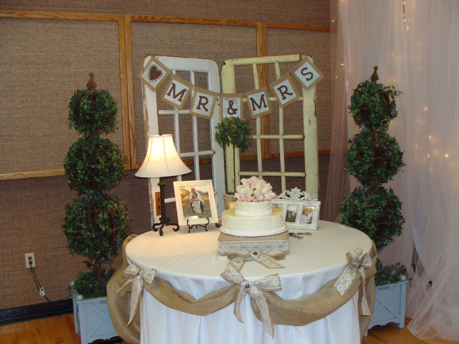 wedding cakes with burlap and lace burlap sign that went behind