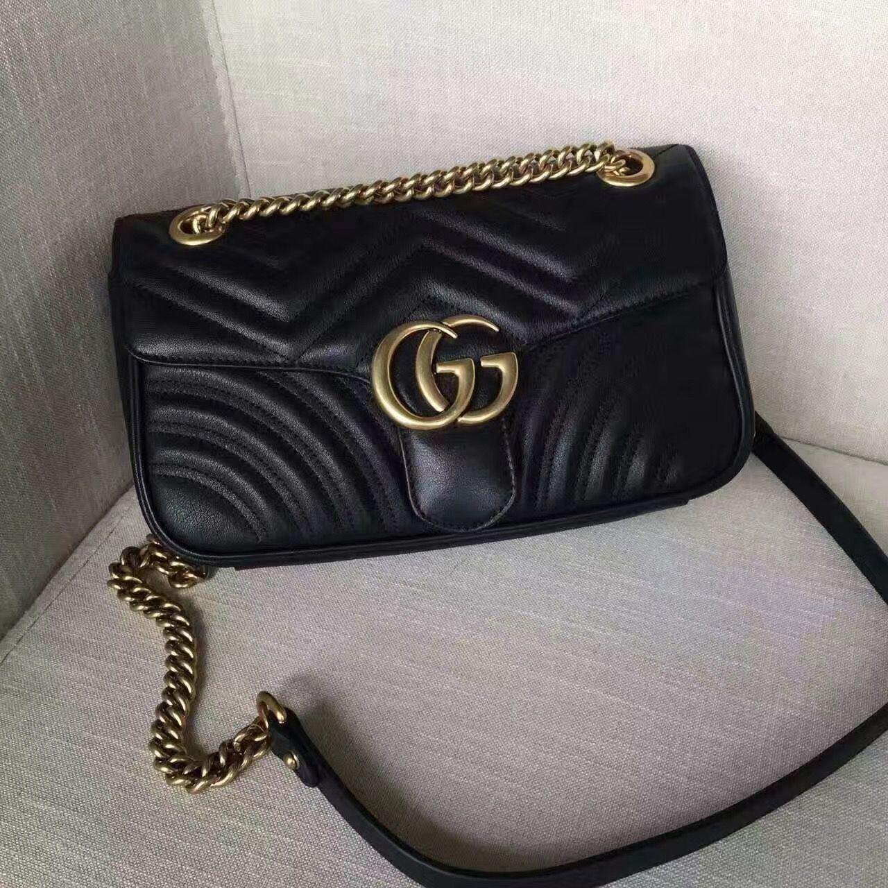a65729818d79 Authentic Quality 1 1 Mirror Replica Gucci GG Marmont Matelassé ...