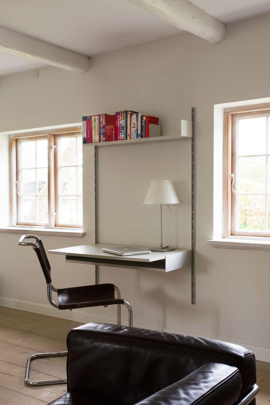 Ein Metalltablar, ein Schreibtischtablar und zwei E-Profile – mehr ...