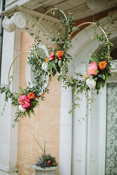 Photo of Hanging flower and eucalyptus wreaths # eucalyptus wreath #farmhousedecor #modernf …