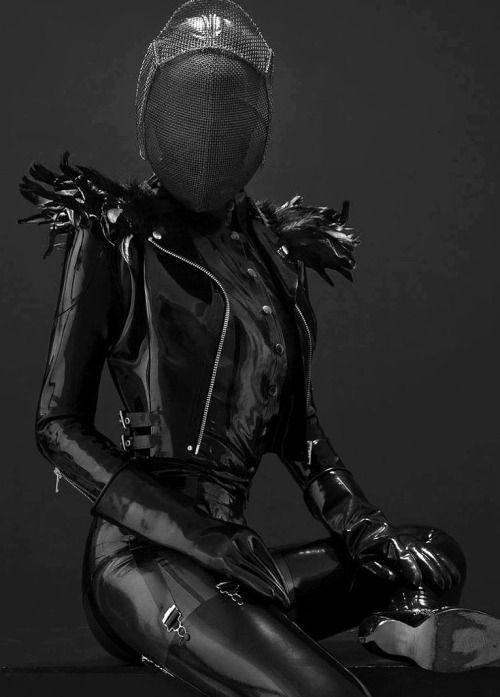 #black #latex #masc