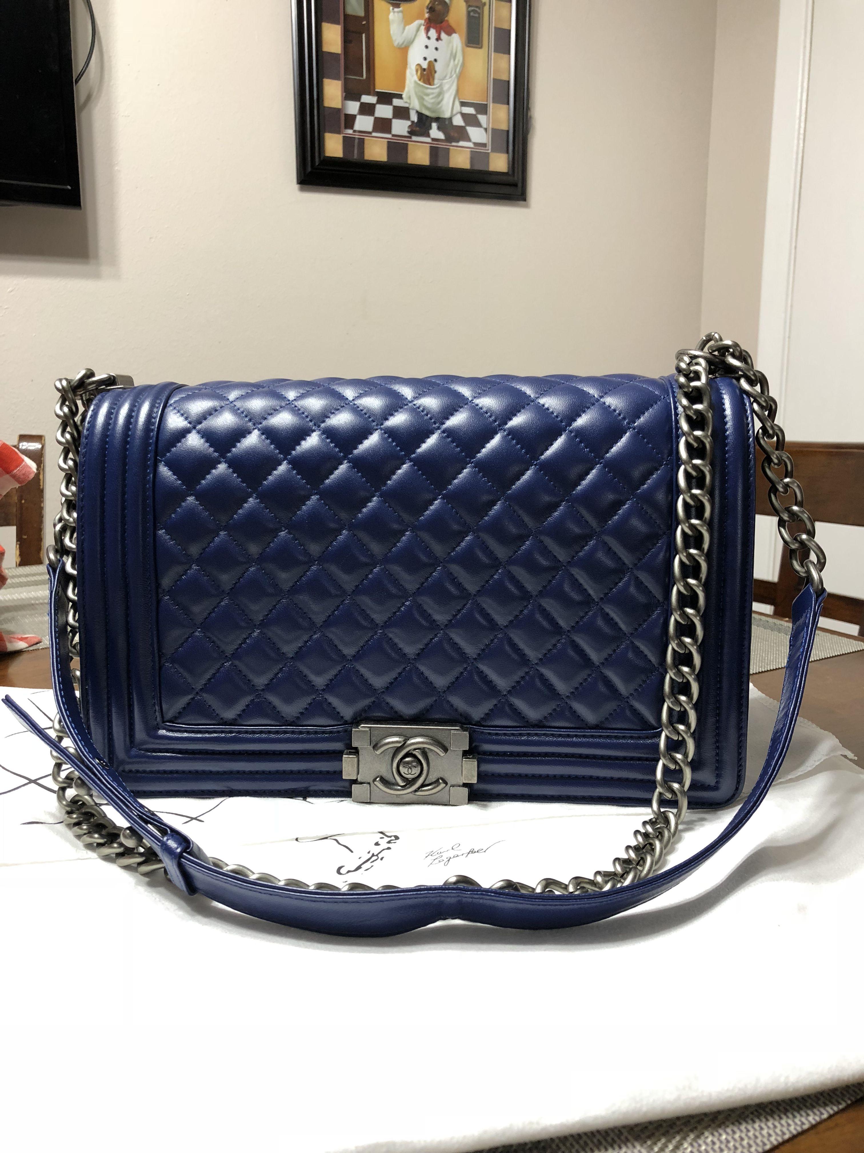 96801a57806d For sale size 30 cm medium Le boy | 4 the love of handbags | Chanel ...