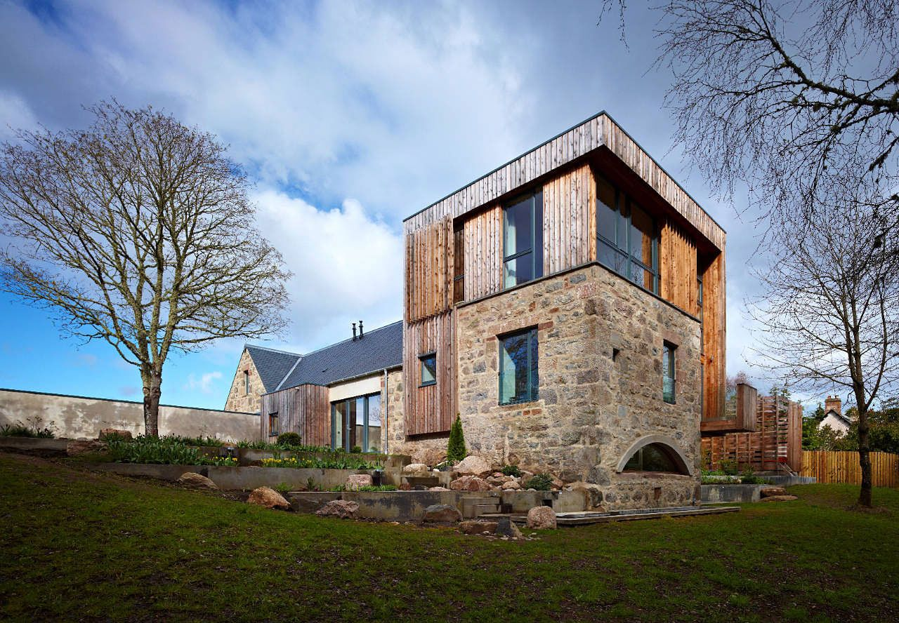 Country house designs this contemporary country house in for Modern house designs uk