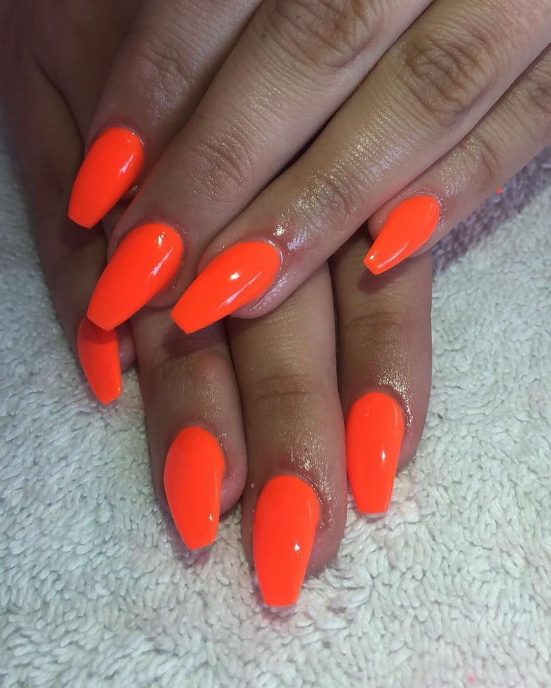 Neon Orange Acrylics Gelish Gelishnails Mobilenailtech Nails
