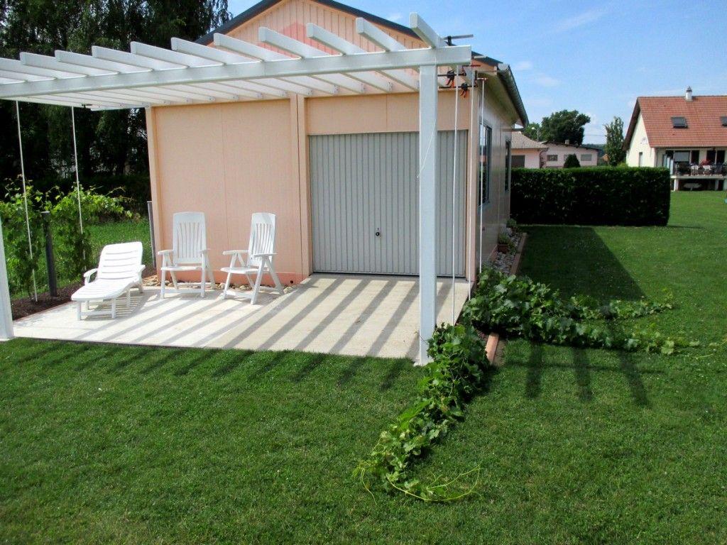 comment attacher la vigne sur la treille faire une pergola ou une treille avec vignes. Black Bedroom Furniture Sets. Home Design Ideas
