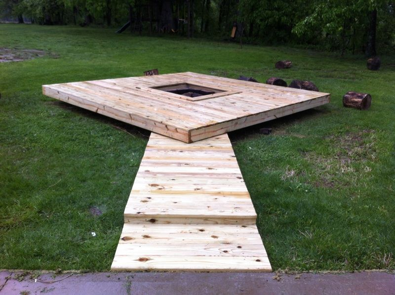 Diy floating deck with fire pit took 2 days my yard for Pallet fire pit