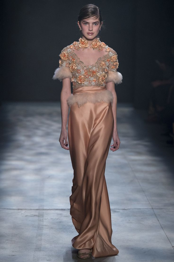 Fall marchesa runway review forecast to wear in winter in 2019