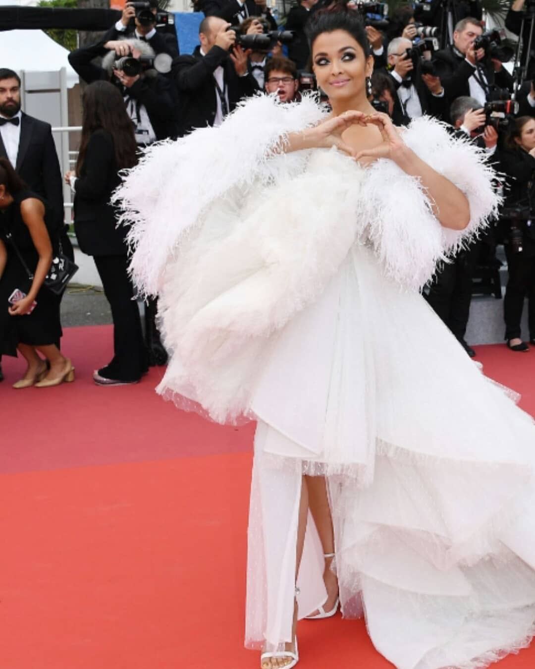 Pin By Artrest On Aishwarya At Cannes Tulle Gown Gowns Tulle Dress