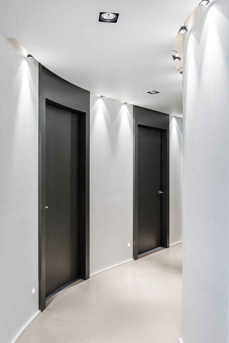 portes et contours peints toute hauteur pour donner de la. Black Bedroom Furniture Sets. Home Design Ideas