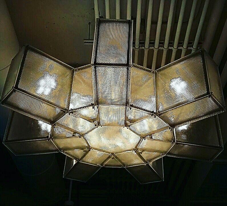 Fabricamos iluminación decorativa a medida para proyectos de decoración y interiorismo para hoteles, restaurantes,tiendas, viviendas