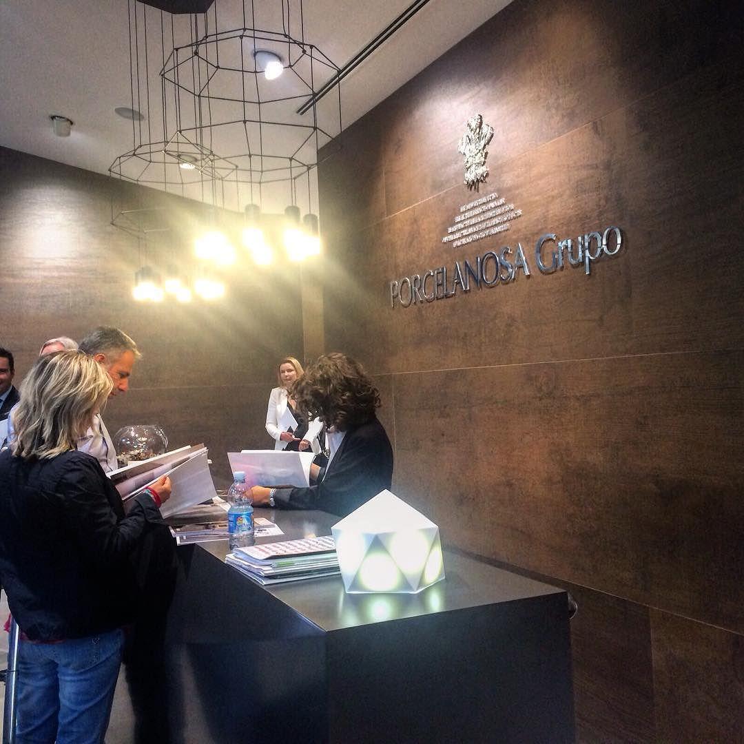 Here we go! #URBATEK #PORCELANOSA #Krion #PorcelanosaGrupo #PorcelanosaGroup #urban #ceramica #ceramics #tiles #azulejos #design #porcelanosa #design #tileaddiction #cersaie2015 #hall #interiordesign #indoor #cool #beautiful #bologna by urbatek_porcelanosa
