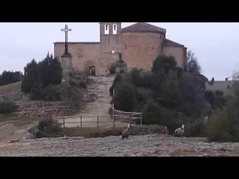 Ermita de San Frutos y dos buitres a sus pies | Hotel Rural Vado del Duratón | Restaurante Fogón del Azogue