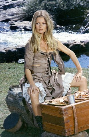 Brigitte Bardot On the set of Les Petroleuses