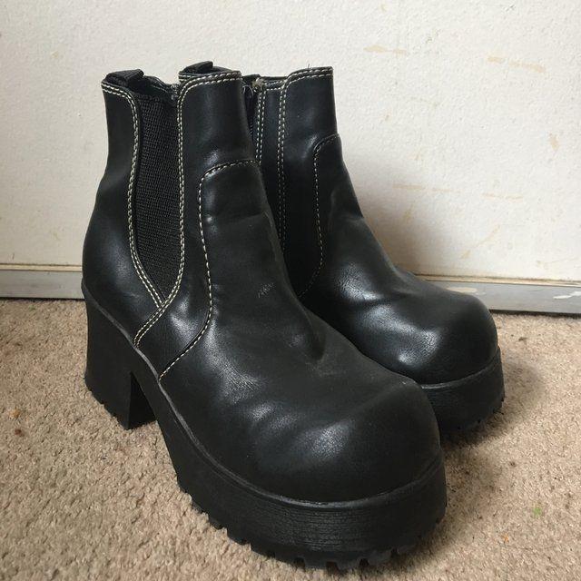 d2d39e29e64 vintage 90 s Steve Madden boots