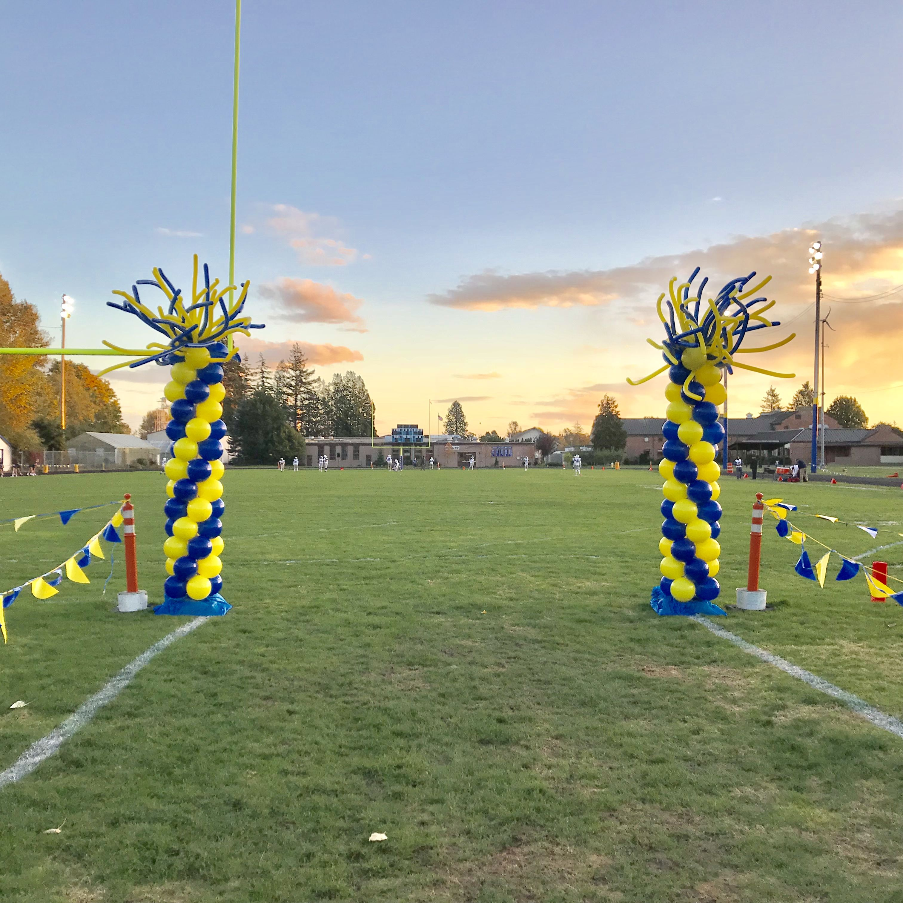 Balloon Columns for a Ferndale High School Football game
