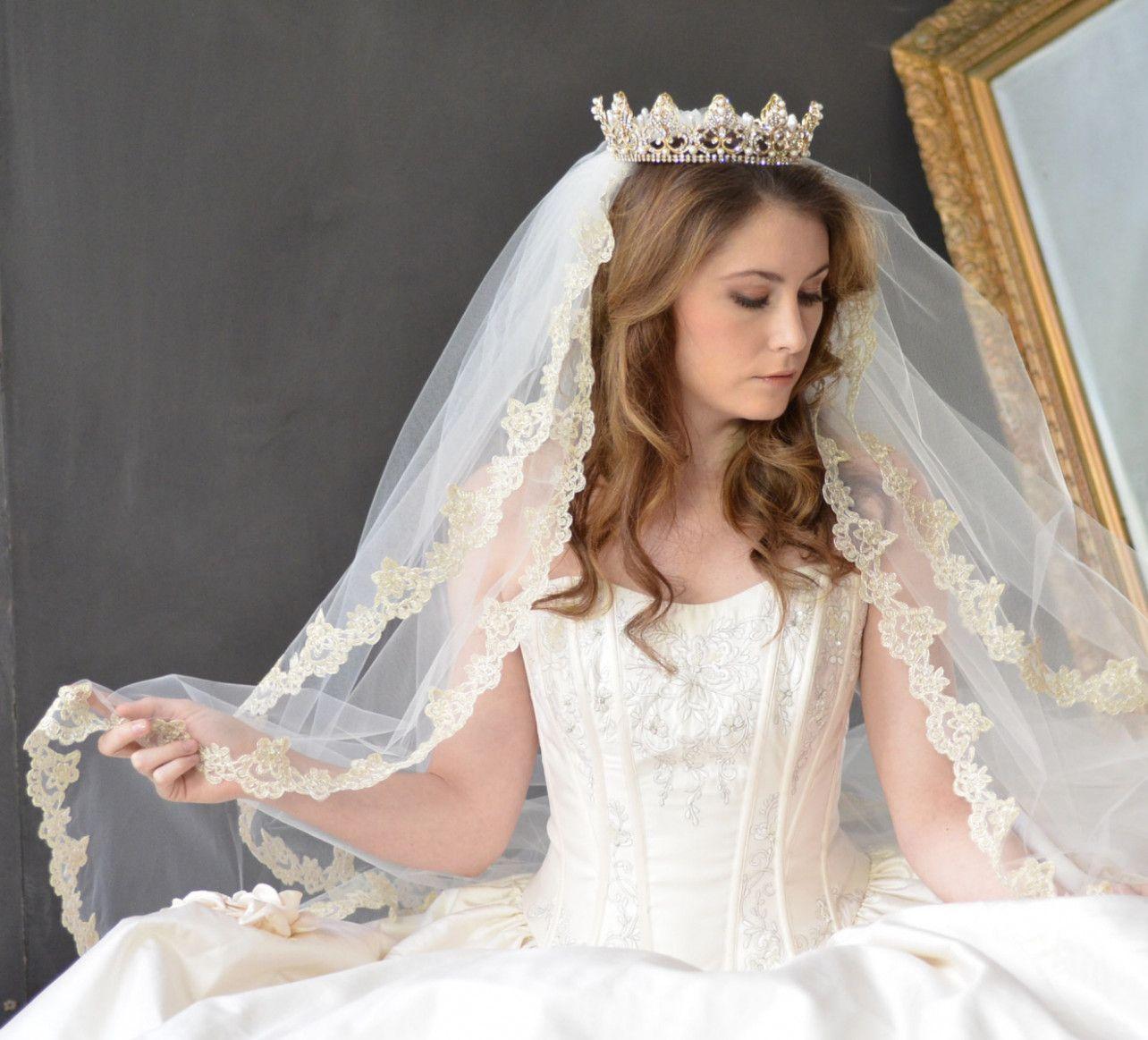 Wedding Veils With Tiara Hair Down Wedding Hairstyles With Veil