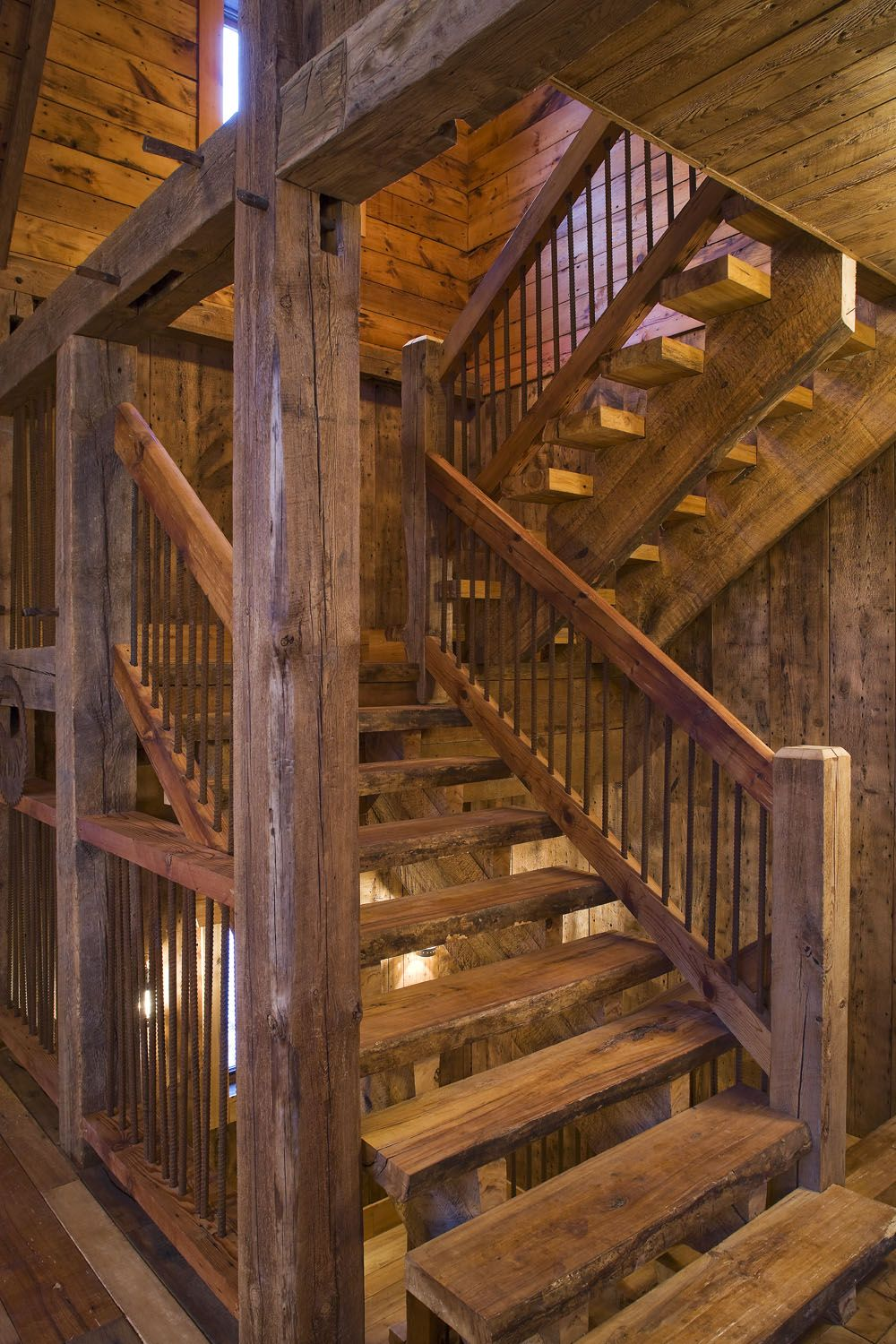 Best Open Treads On Stringers Reclaimed Wood Stairway Timber 400 x 300