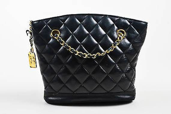 6371bf57e37f VINTAGE Chanel Black Quilted Lambskin Double Chain Strap Shoulder Bag