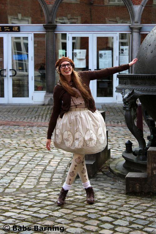Tumblr user kittensandsteam in a Carouskel fabric skirt.