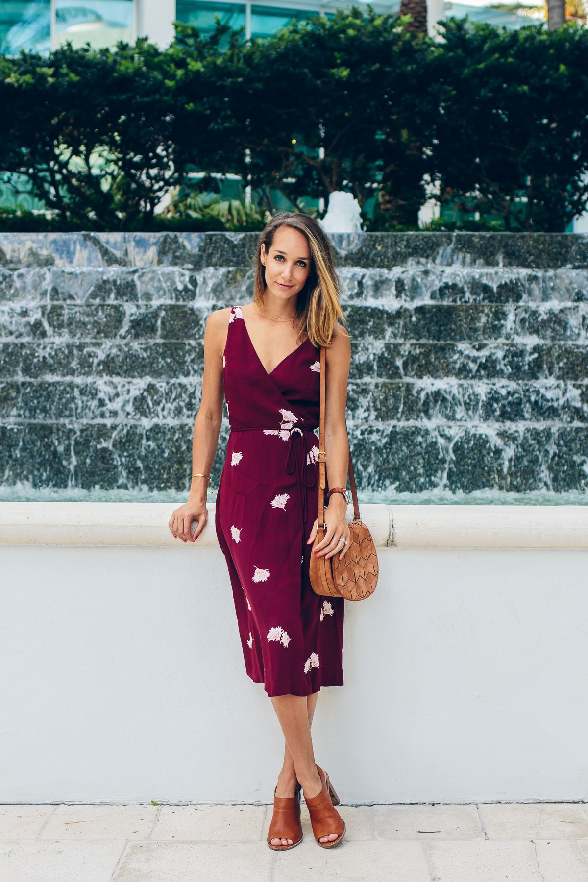How To Wear A Wrap Dress The Fox She Chicago Style Blogger Wrap Dress Outfit Summer Dresses Fashion [ 1800 x 1200 Pixel ]