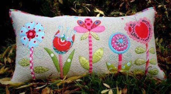 How Does Your Garden Grow Pillow #applique #beginner #dont-look-now #flower #pattern #pillow #quilt #sewing-pattern