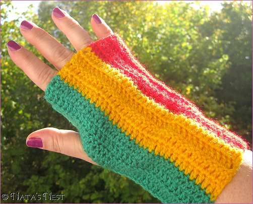 Crochet handwarmers (there\'s a Rasta Hat pattern to match) - both ...